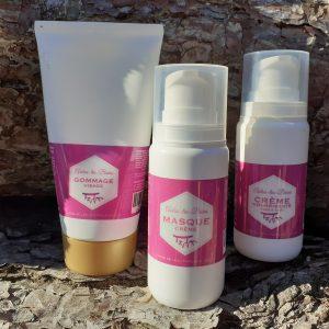 Pack produits cosmétiques gommage masque crème nourissante