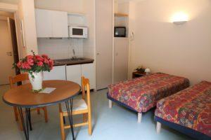 Vue du salon appartement de la residence 3 césars thermes Aulus les Bains